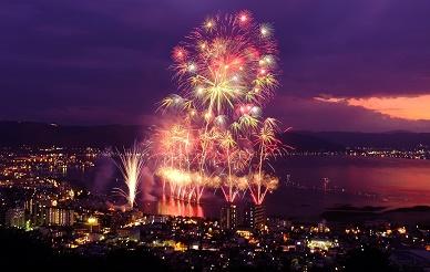 諏訪湖の花火2019 | 諏訪市観光ガイド|諏訪観光協会 公式サイト