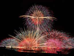 諏訪湖の花火情報